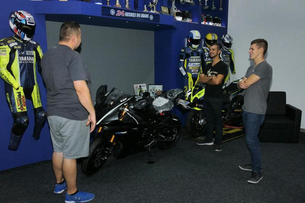 Julian Mayer pokračuje s tímom Maco Racing na MS Endurance